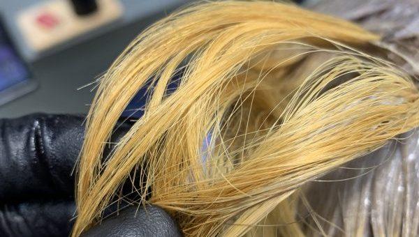 ブリーチをするヘアカラー